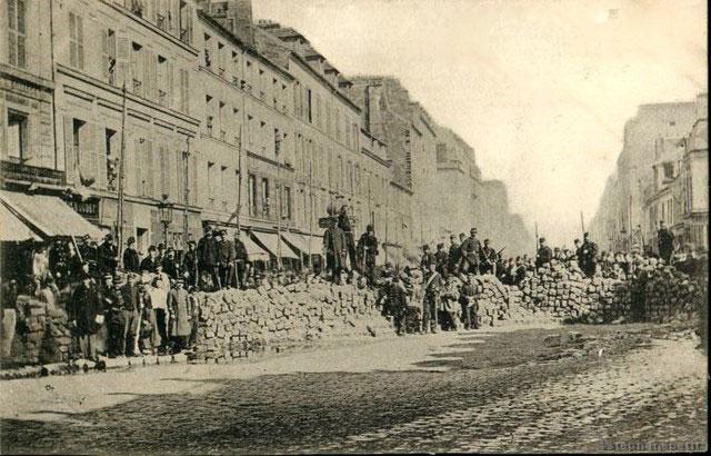 Comuna de París - Barricade rue la Fayette - Paris