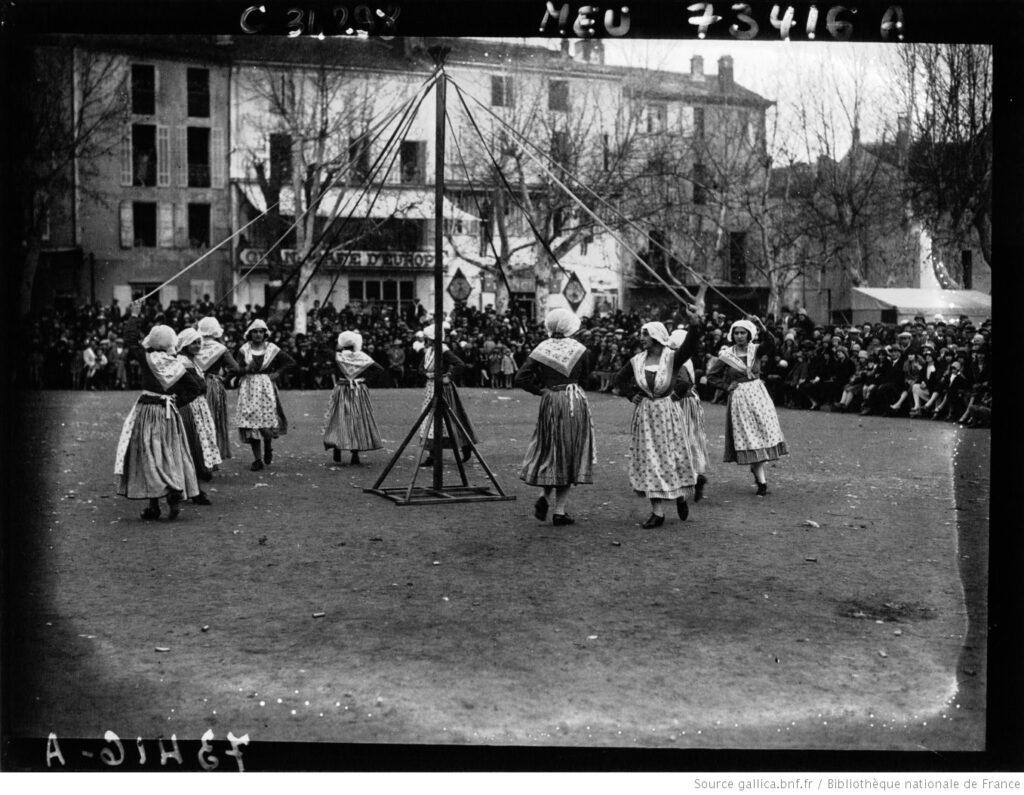 Provence 1930. Fiestas Centenario Mistral