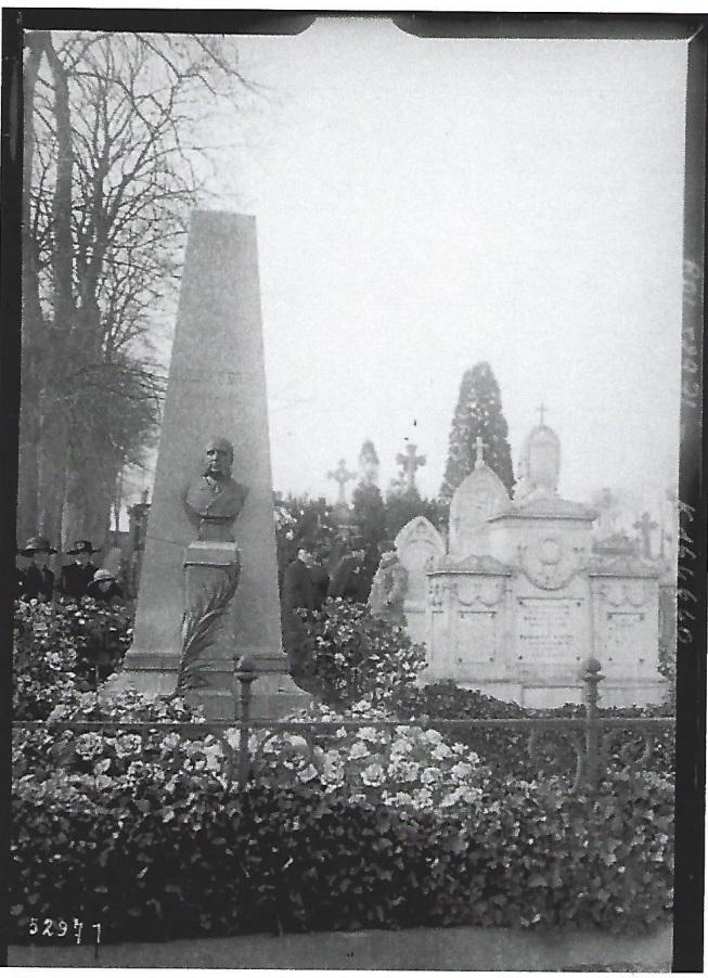 Tumba de Jules Ferry en Saint-Dié-des Vosges. Foto de prensa (1919). BNF