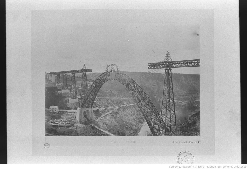 Eiffel: Viaducto de Garabit en construcción (BnF).