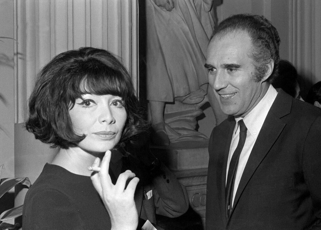 Gréco y Michel Piccoli (Le Progrès de Lyon)